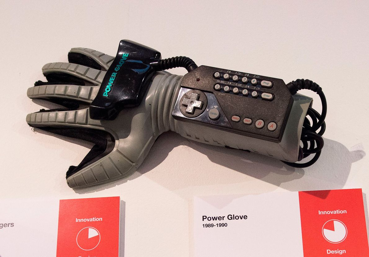 Mattel Power Glove, 1989