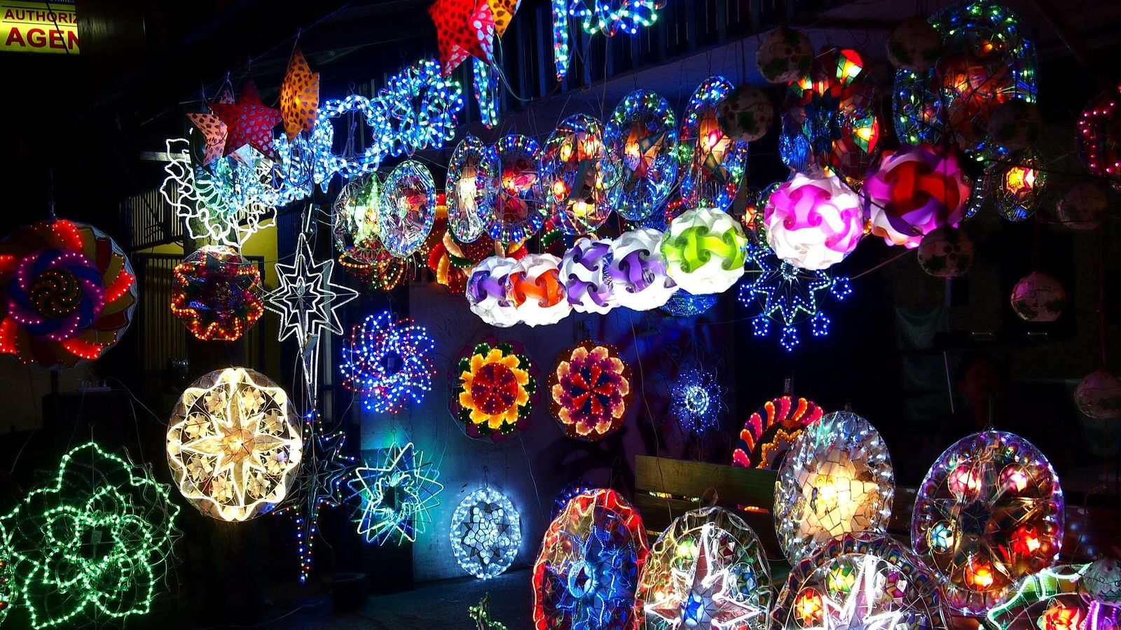 Philippine Christmas parols on sale in a store in Antipolo City, near Manila. Traditionally made with ...