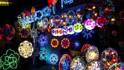 Seven objects that say 'Christmas' around the world