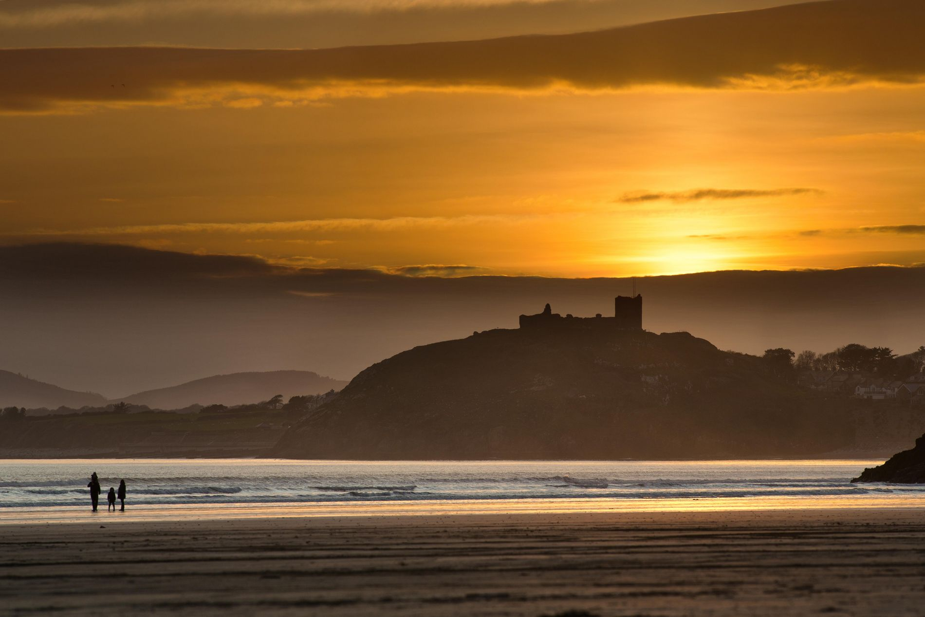 Criccieth Castle, a fortification that has stood for nearly 800 years, overlooks Tremadog Bay, North Wales. ...