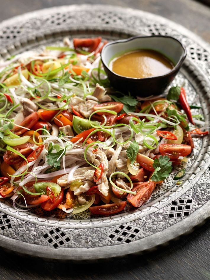 Shredded chicken & tomato salad (kyet thar thoke).