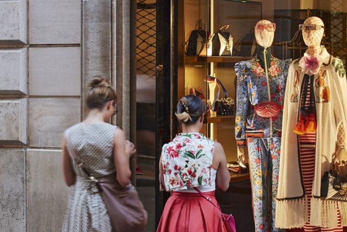 Window shopping on Via dei Condotti. Image: Richard James Taylor