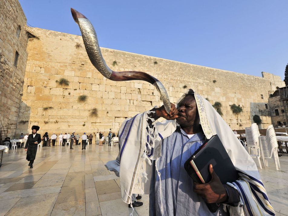 Why Rosh Hashanah kicks off the Jewish New Year in the fall—not January