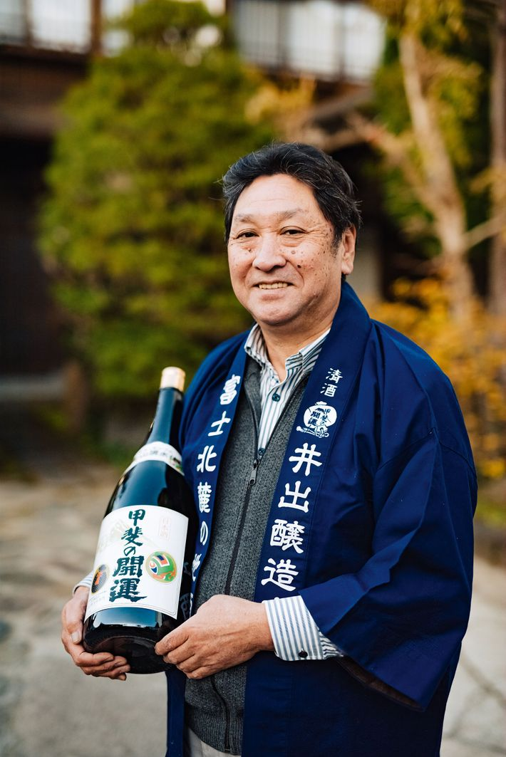 Yogoemon Ide, president of Ide Sake Brewery. Located close to Fuji, the brewery offers tasting experiences.