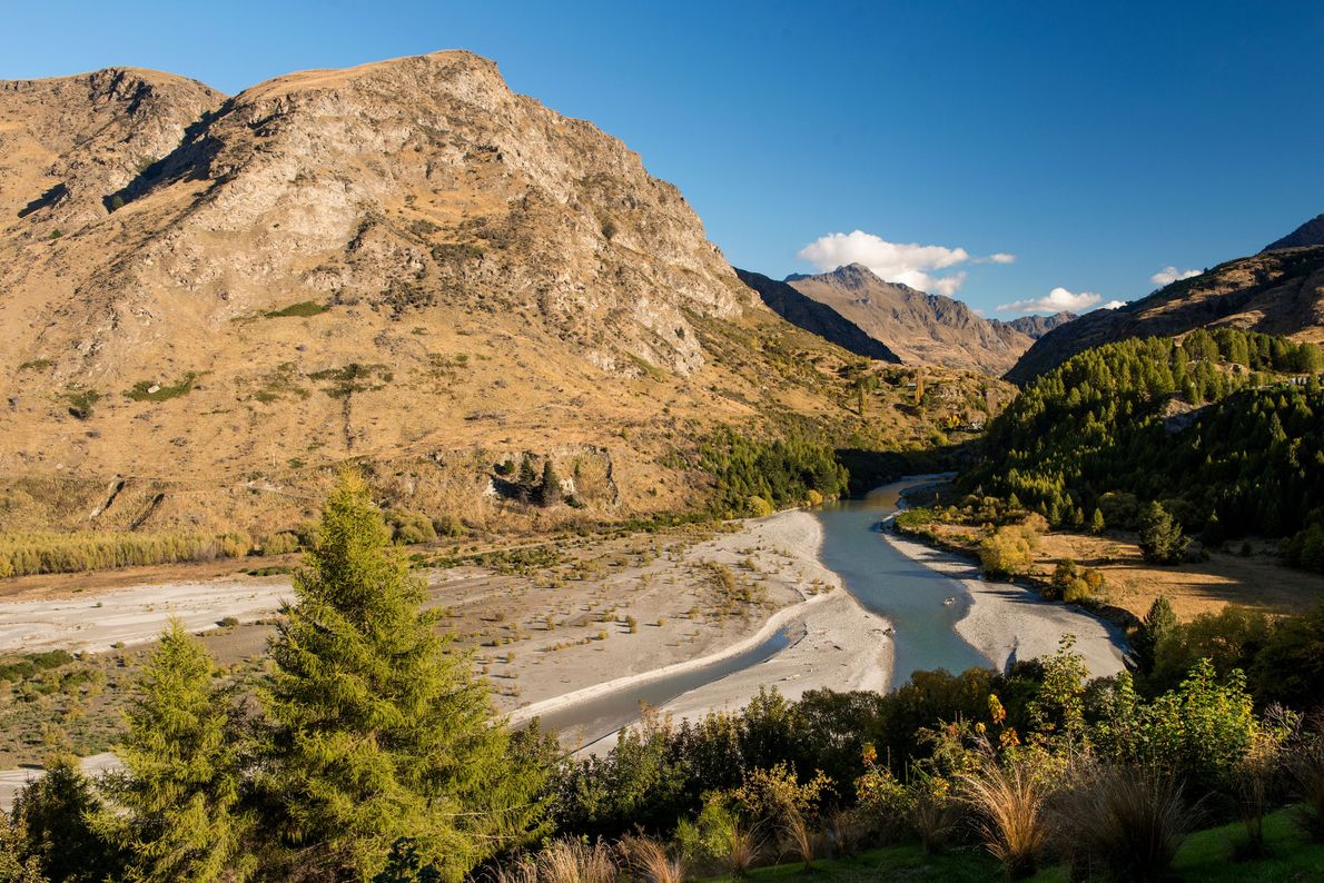 From the Onsen Hot Pools near Queenstown there is a view of the Shotover River.