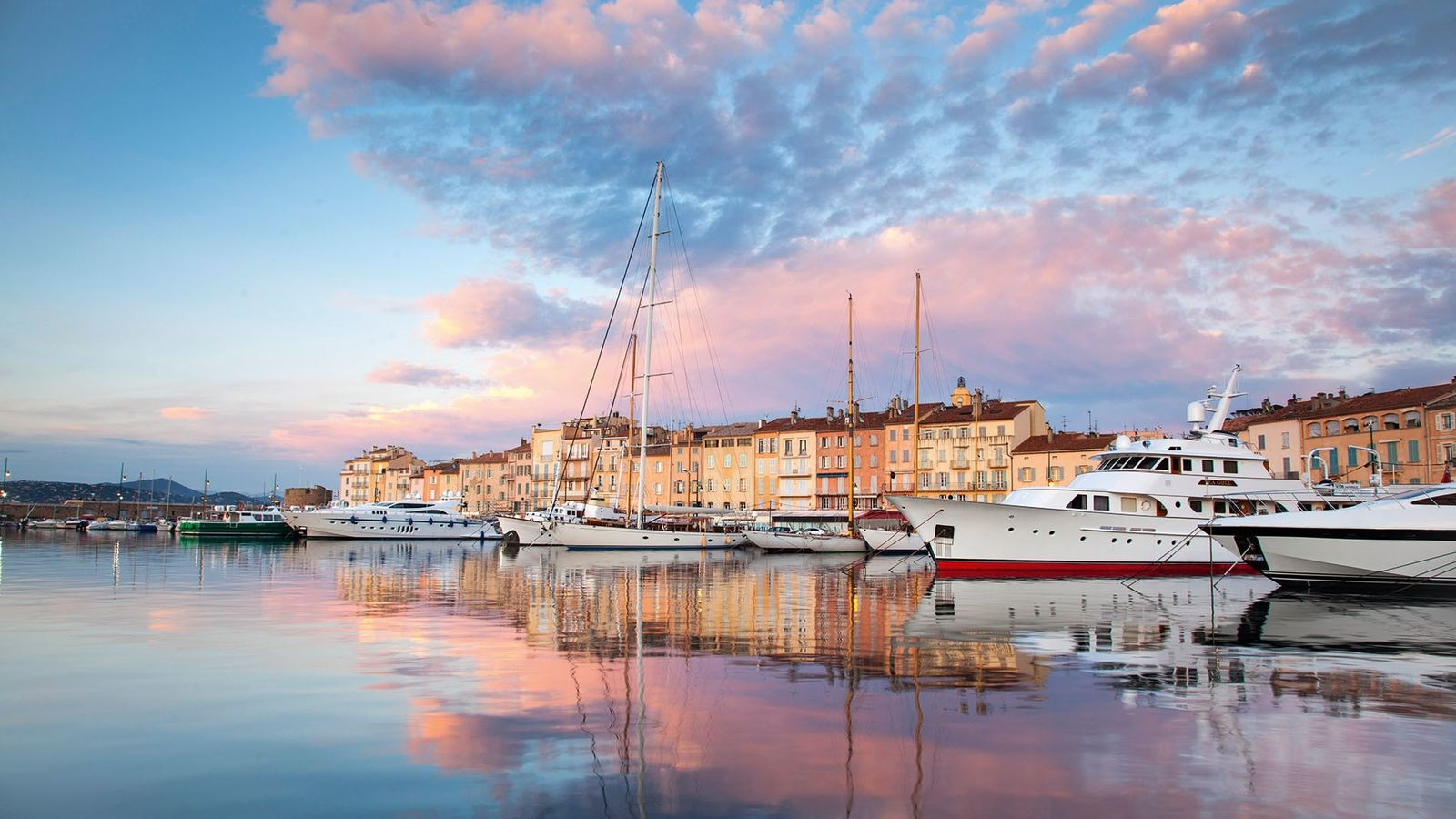 With exquisite design, gourmet cuisine and jaw-dropping settings, Saint-Tropez's hotels are well worth the splurge.
