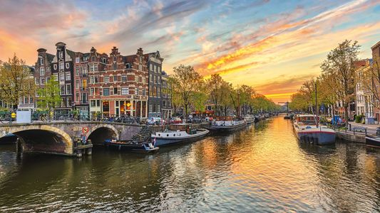 An alternative hotel guide to Amsterdam