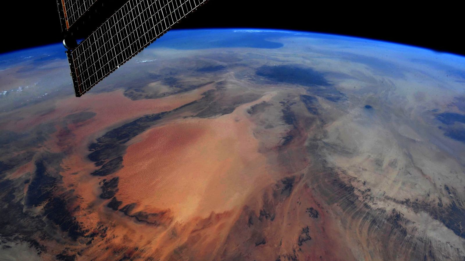 """""""Earth Art, southwest Libya,"""" Hurley tweeted along with this photo taken June 29."""