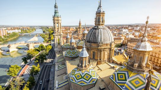 Sitting astride the River Ebro, the city of Zaragoza is feted for its connections to the master ...