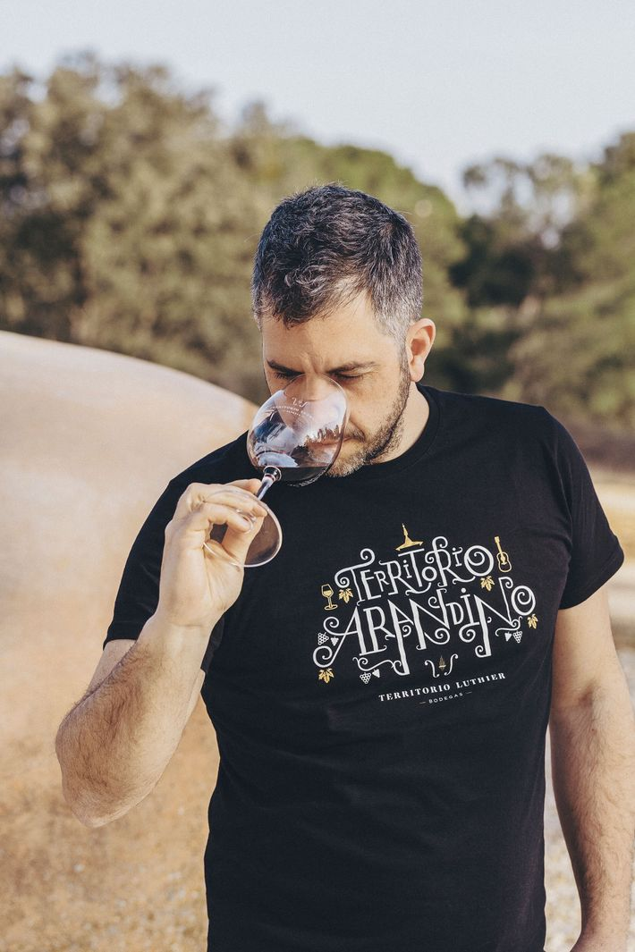 Fernando Ortiz, owner of the Don Carlos bodega and co-owner of Territorio Luthier winery, samples a ...