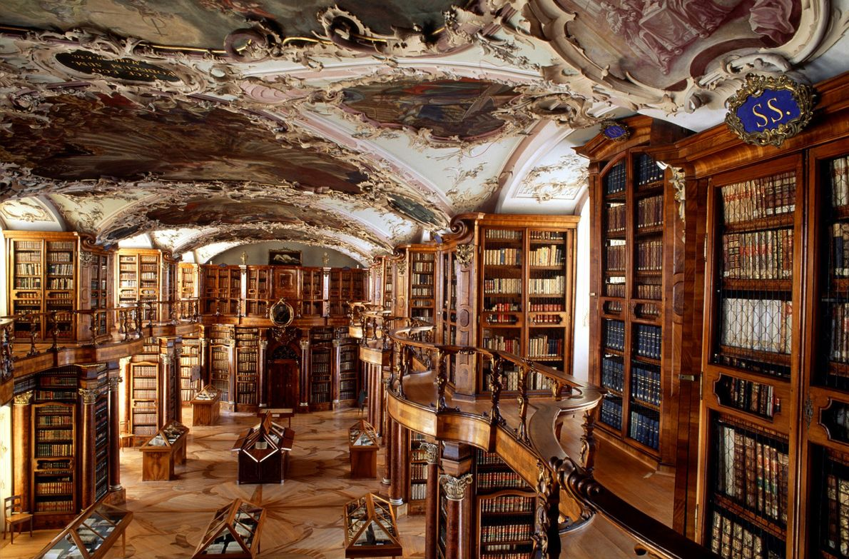 See the world's most beautiful libraries