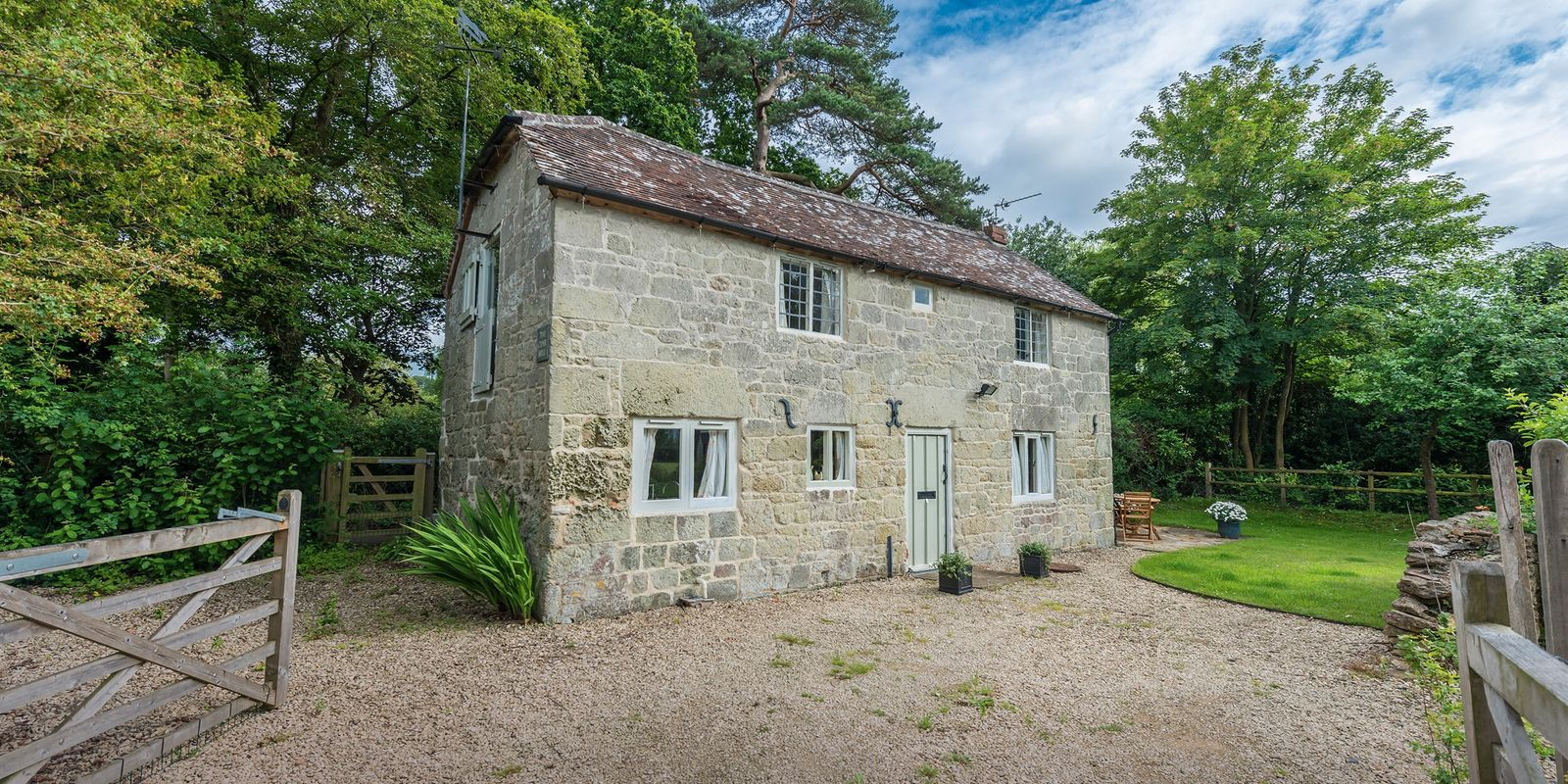 Win a £550 voucher to spend on a cottage stay in Dorset