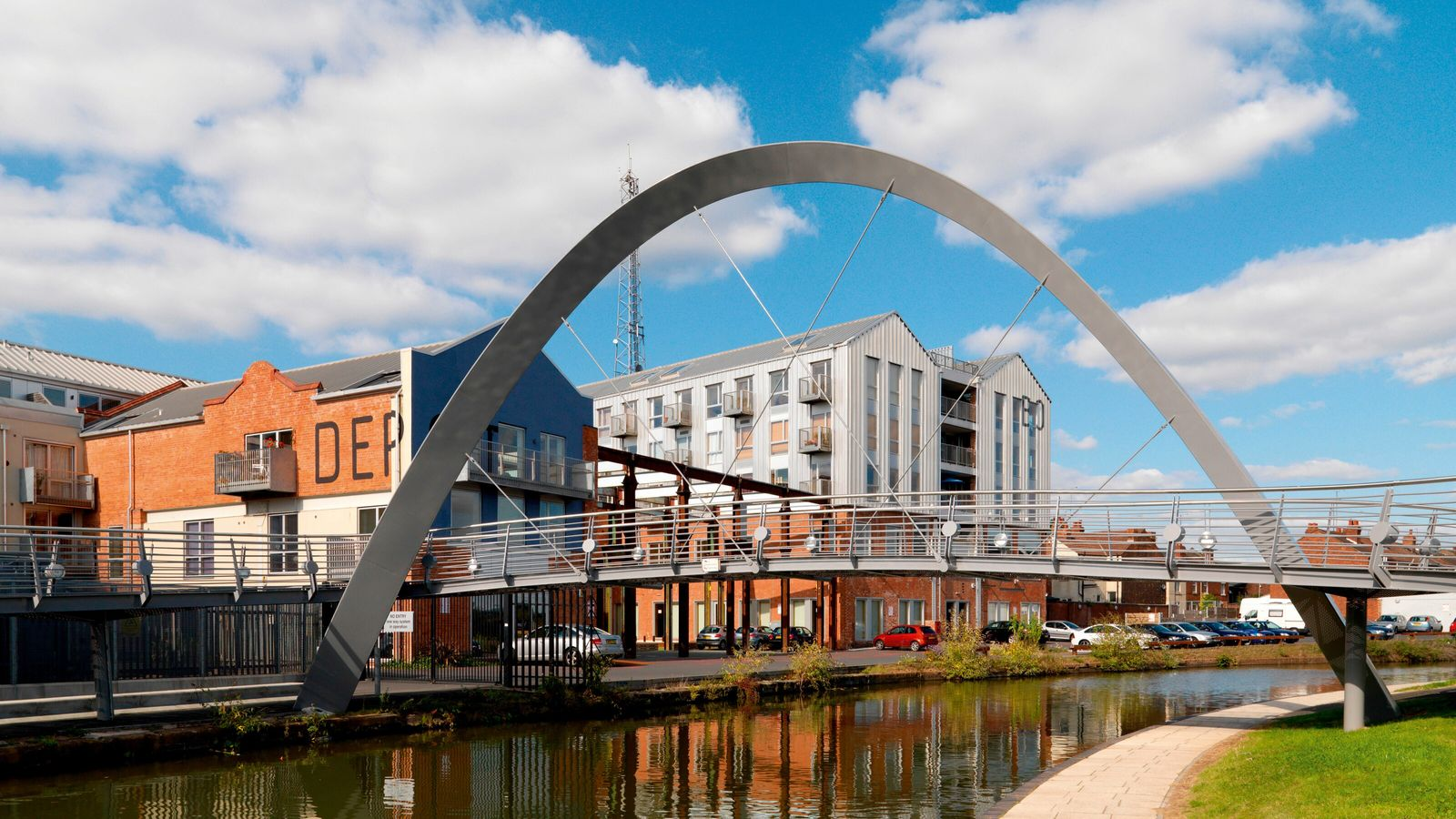 Electric Wharf by Coventry Canal is home to work lofts, apartments and low-energy homes.