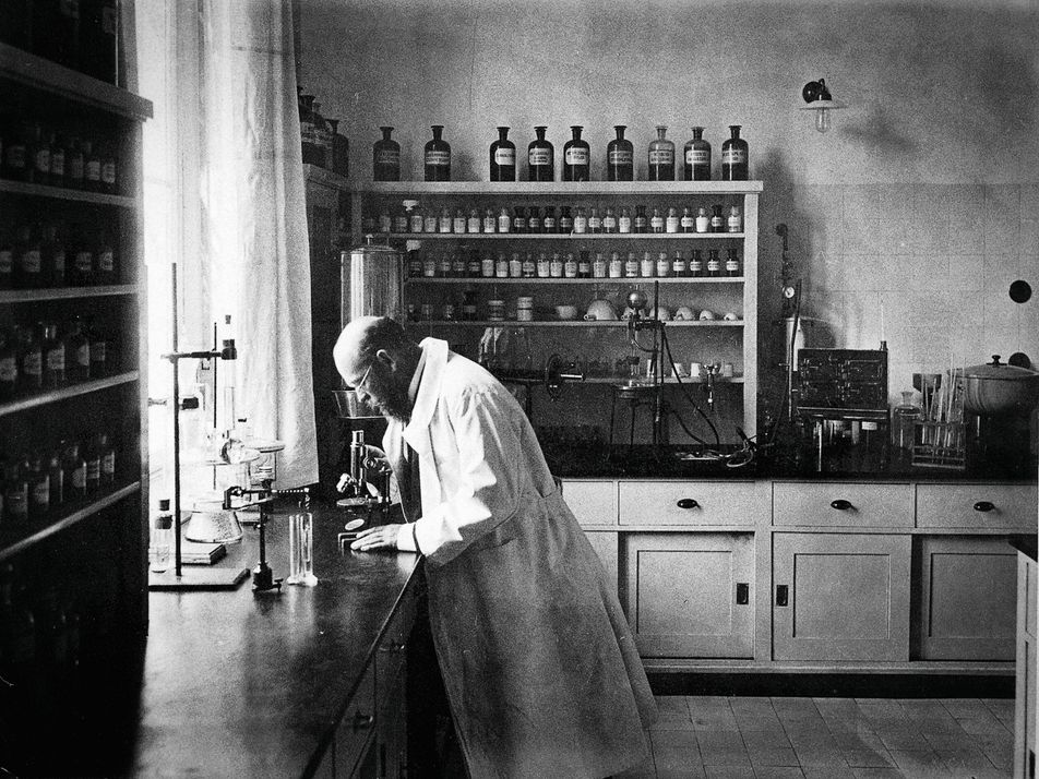 This 'bacteria hunter' discovered the causes of tuberculosis, anthrax, and cholera