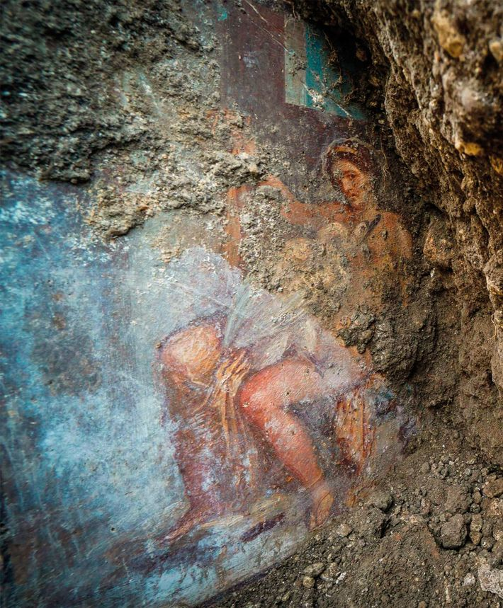 Photographed soon after discovery, this fresco of Leda and the swan was still obscured under layers ...