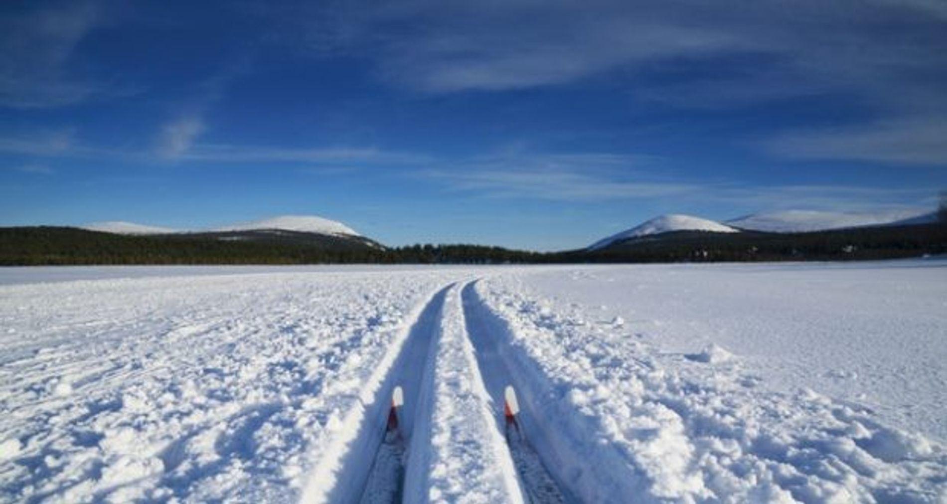 Family: Six snow adventures