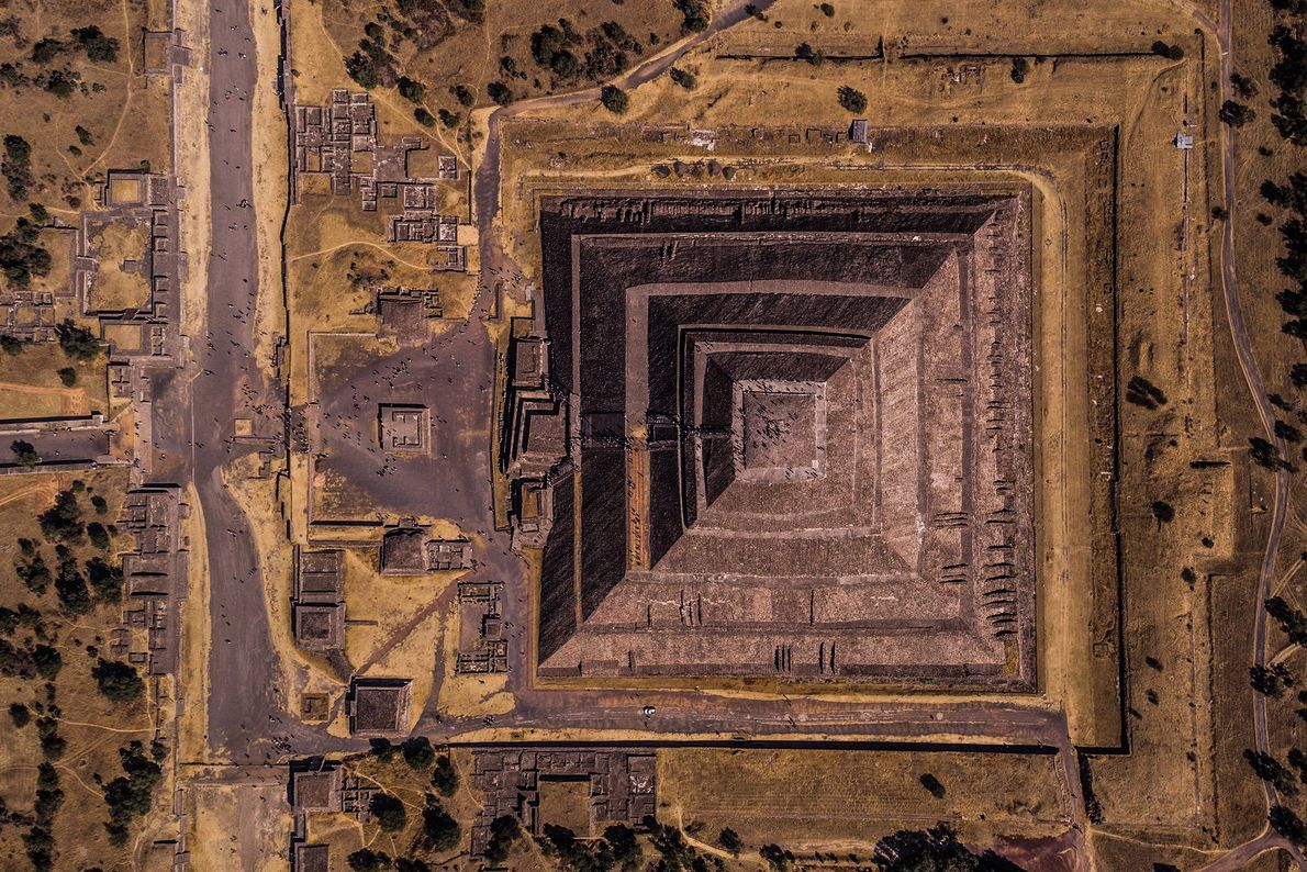 Teotihuacan means 'the place where the gods were created', and that's the feeling once you visit ...