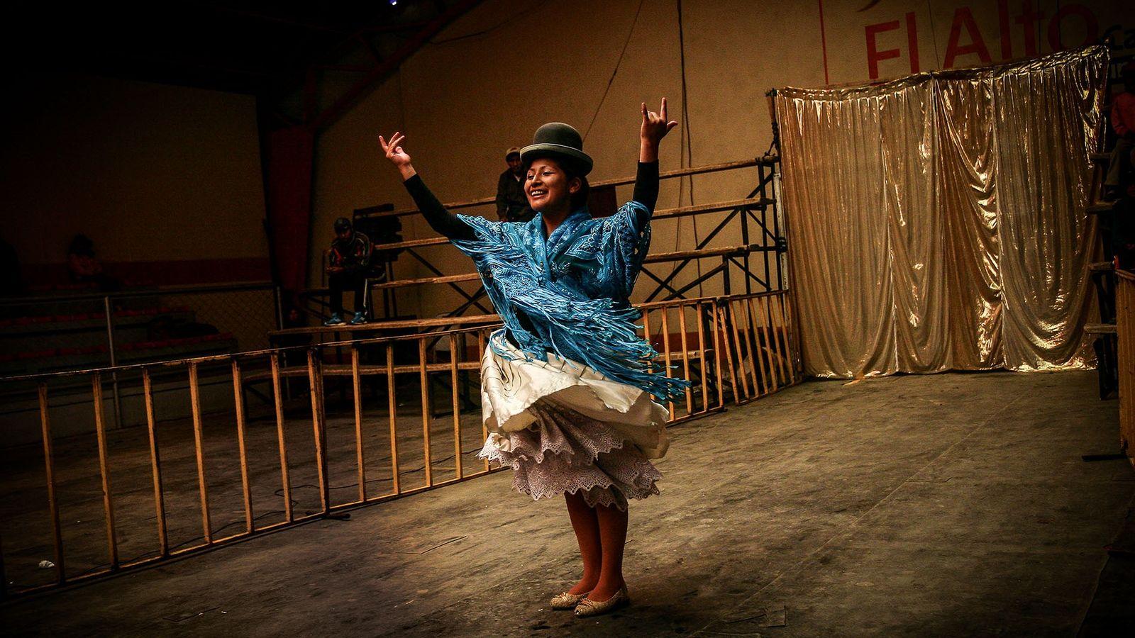 Cholita wrestler, El Alto, Bolivia