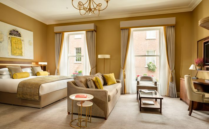 Trinity Townhouse is located just across the road from Trinity College, and a red brick's throw ...