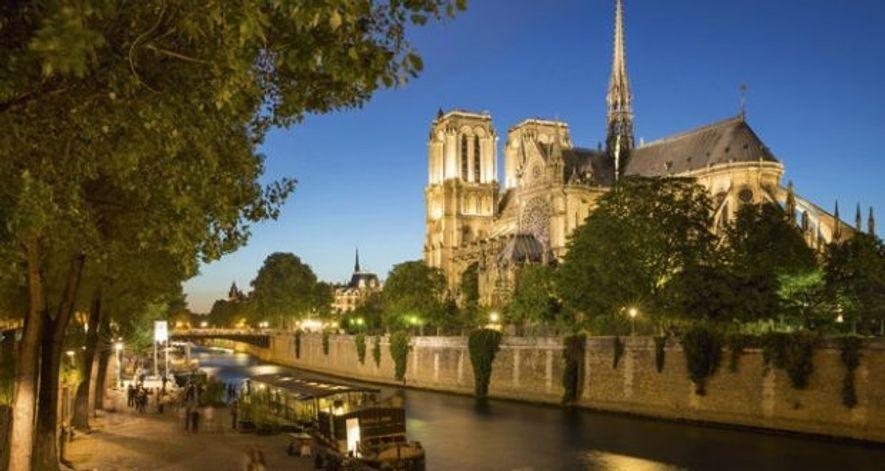 Twilight along River Seine in Paris.