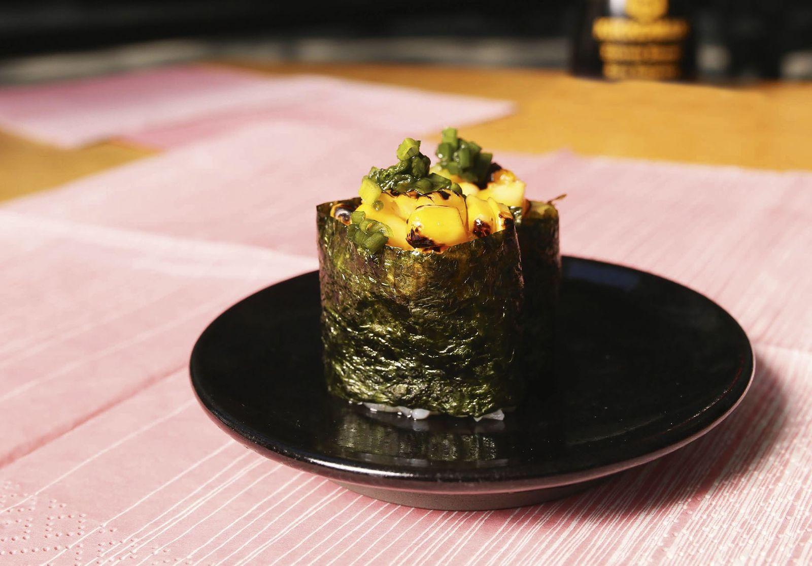 How to make it: gunkan maki with corn recipe