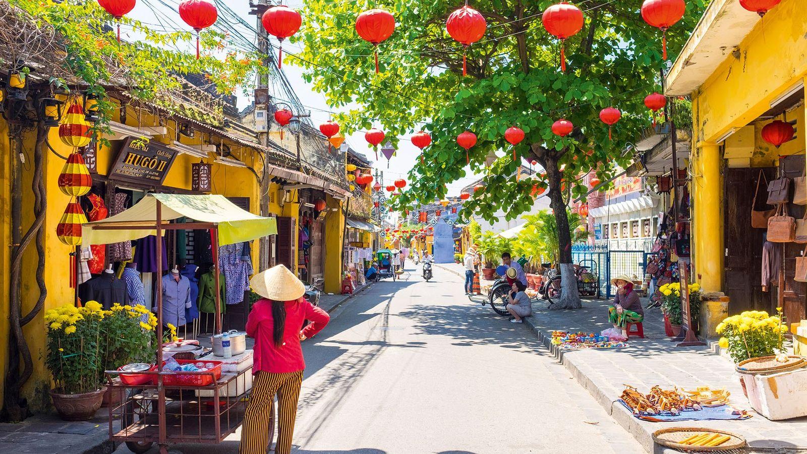 A street scene in Hoi An