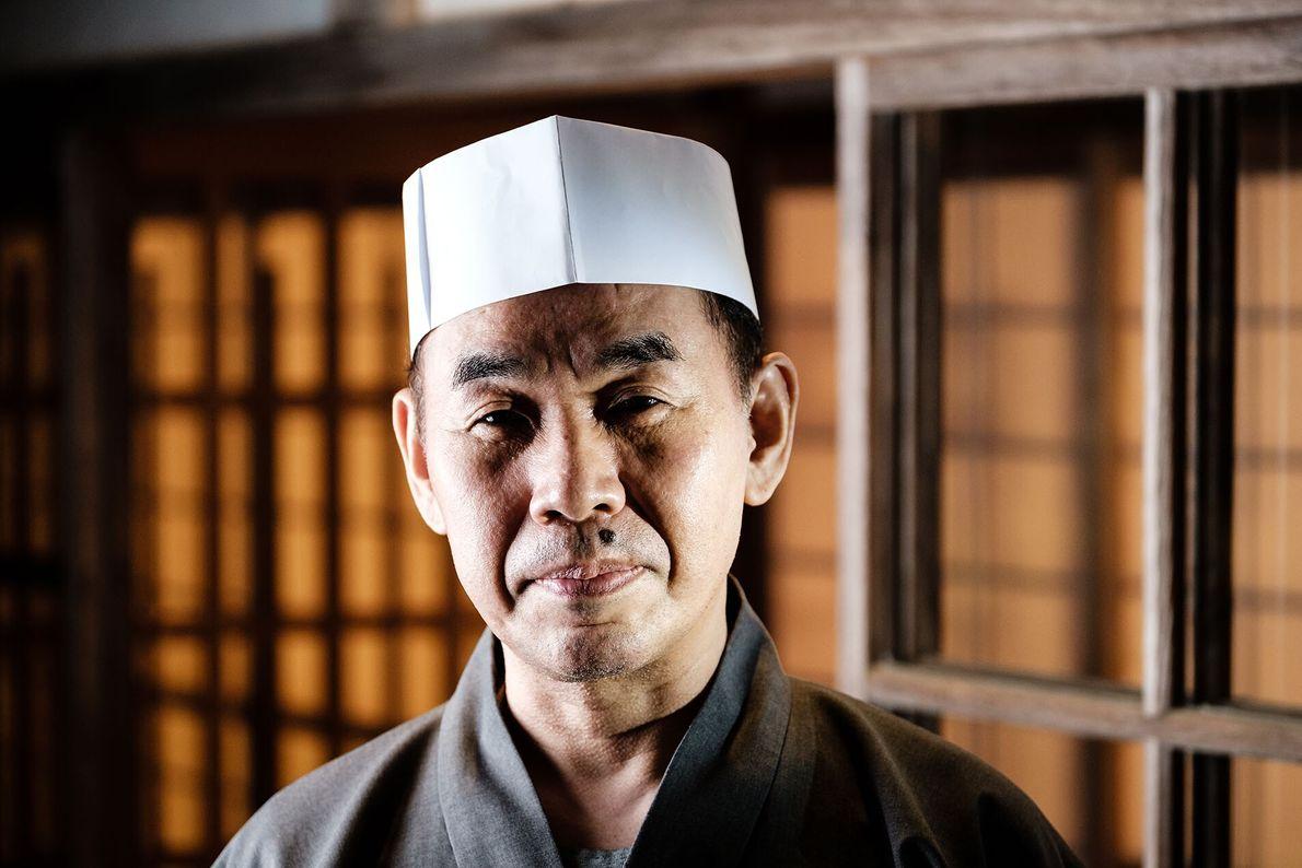 Yoshidome Masanobu isn't from Koyasan. Nor is he a monk. He lives and works, however, in ...
