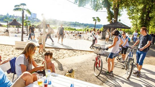 Summer beaches edging the Vistula river.