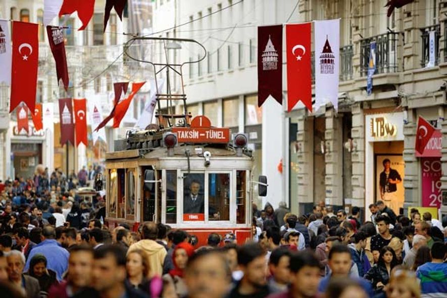 Heritage red tram. Image: Getty