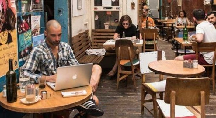 The laptop crowd at Casbah Florentin.