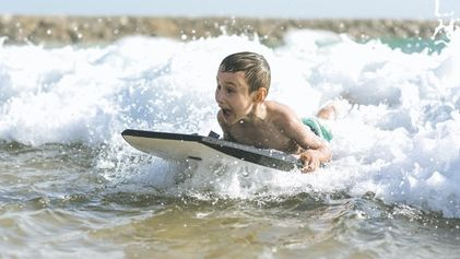 We compare: Family surfing holidays