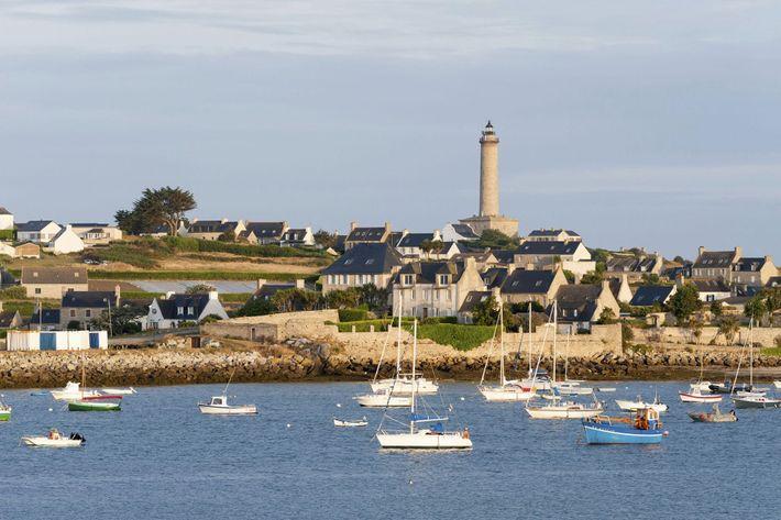 Île de Batz lighthouse.