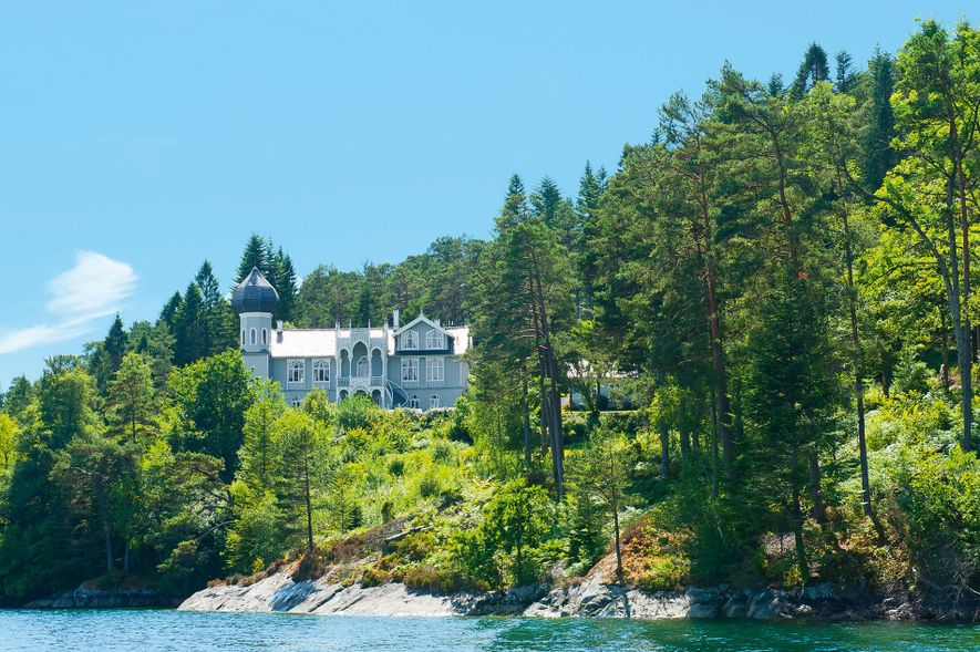 Former summer residence of Norwegian violinist and composer Ole Bull on Lysøen Island.