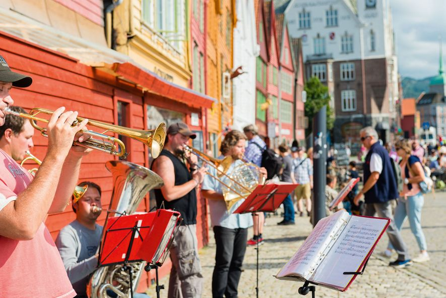Musicians playing in Bergen's old town.