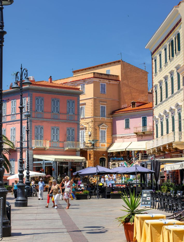Shoppers in the picture-postcard old town of La Maddalena.