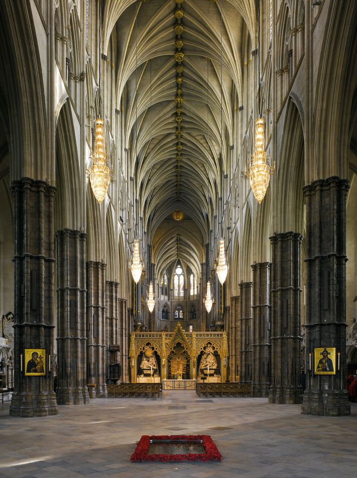 Eleanor was crowned queen of England in Westminster Abbey on December 19, 1154. Consecrated on December ...