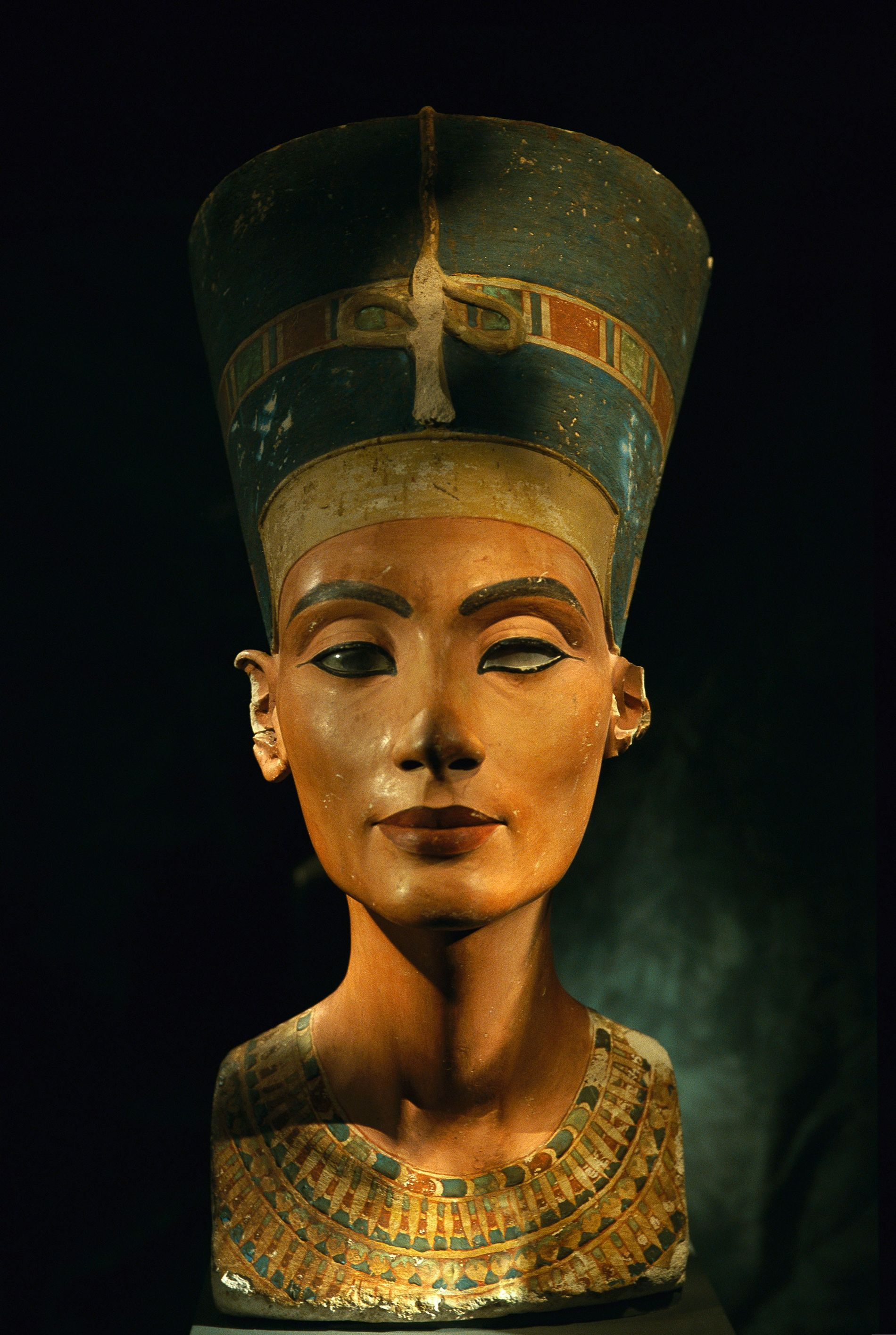 Bust of Egyptian Queen Nefertiti.