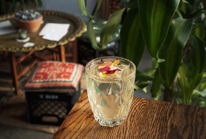 Cocktail at Alambika.