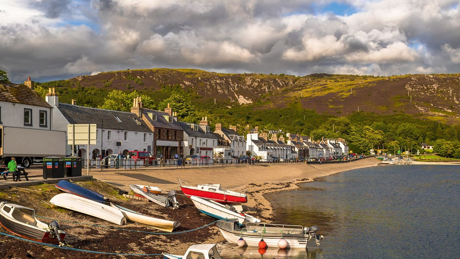 Boats on the shore ofUllapool,a villagein Ross and Cromarty, in the Scottish Highlands.